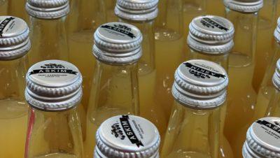 Bilde av flasker med skrukork 2021