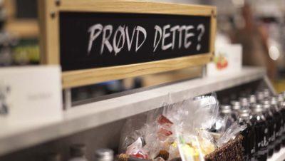 Skilt i butikken på Askim Frukt- og Bærpresseri