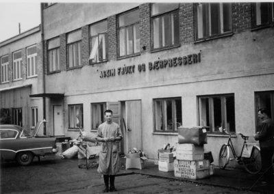 Bilde 50 tallet Askim Frukt -og Bærpresseri