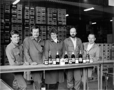 Bilde av ansatte Askim Frukt -og Bærpresseri1980 tallet