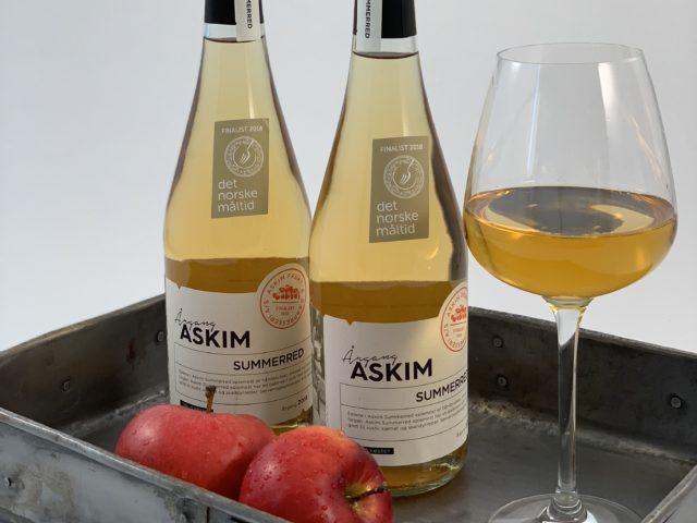 Årgang Summerred i flaske og glass