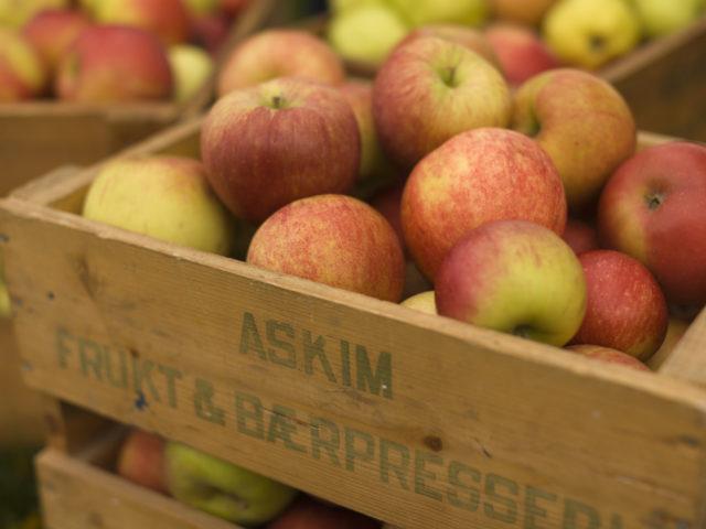 Epler i trekasse Askim Frukt - og Bærpresseri